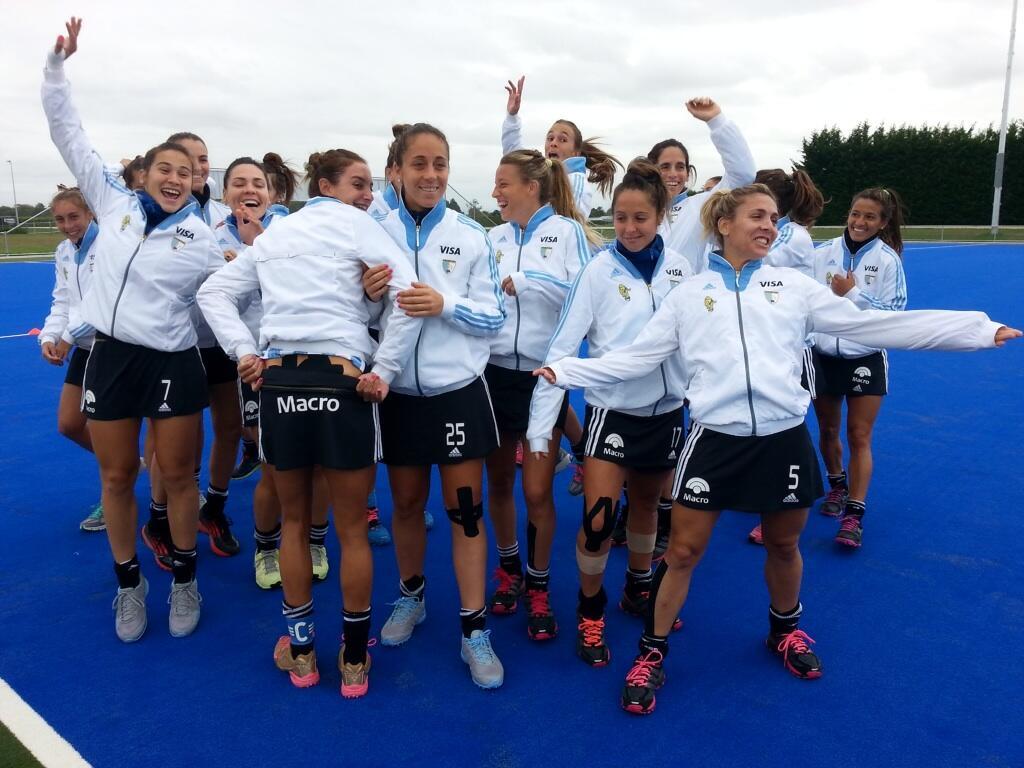 Las Leonas celebrate (c) Patricia Fioroni @pato_fioroni via Twitter