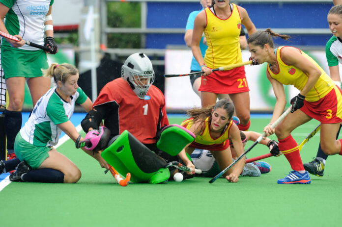 Megan Frazer (left) in action at the 2013 Euros (c) hockeyimages.co.uk