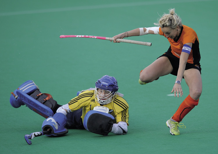 Reading's Sarah Ellis saves from Leicester's Vanessa Hawkins in the 2013 shoot-out (c) Ady Kerry